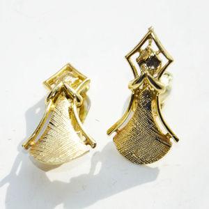 vintage Coro gold tone large angel clip earrings